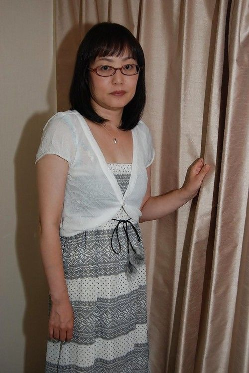 Shy eastern lady in glasses stripped off down and has some love-cage vibing enjoyment