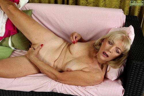 Dreadful blond Janet Lesley finger smoking bald ripened muff