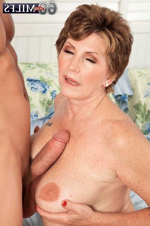 Mature milf bea cummins thrust a tense jock