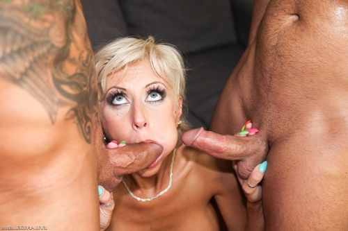 Sweet golden-haired MILF enjoys having her prolapsing rectal opening screwed rough