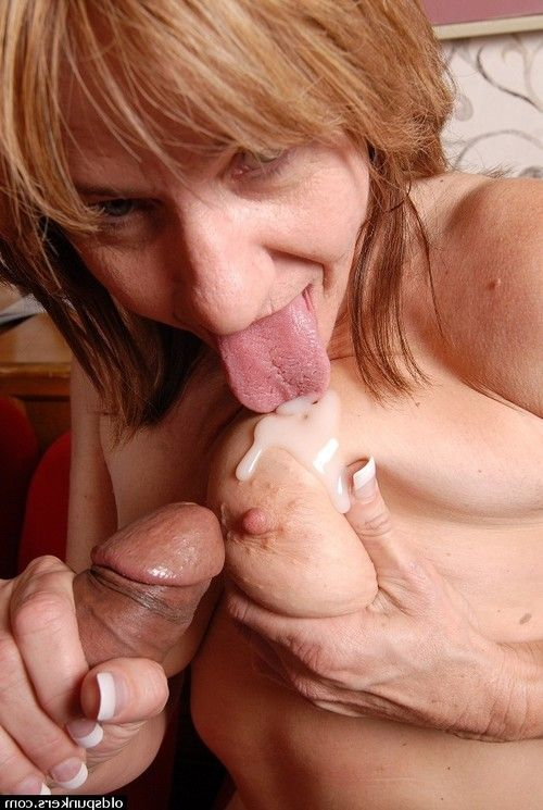 Sweaty mature is engulfing this shlong and getting goo on her saggy mambos