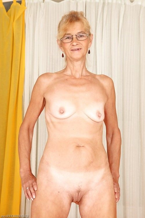 Lecherous elderly with hairless love-cage erotic dancing and expanding her legs