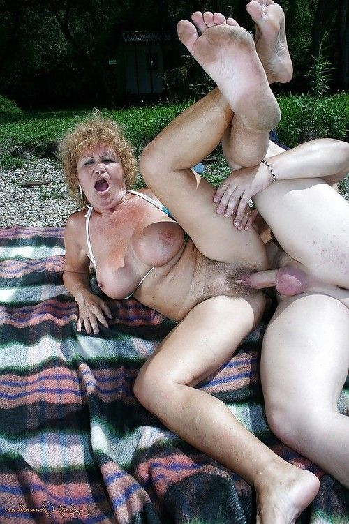 Immense busted mature in bikini gives a fellatio and acquires shagged outdoor