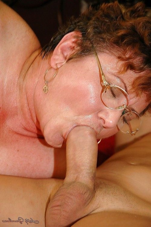 Short haired seasoned plumper in glasses benefits from her vagina nailed by instrument and jock