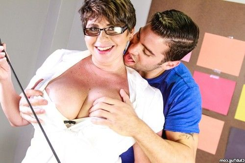 Pervy curvy milf playing with dick her student