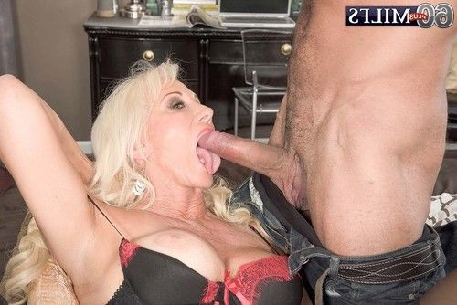 Breasty cougar milf madison milstar working enormous dong