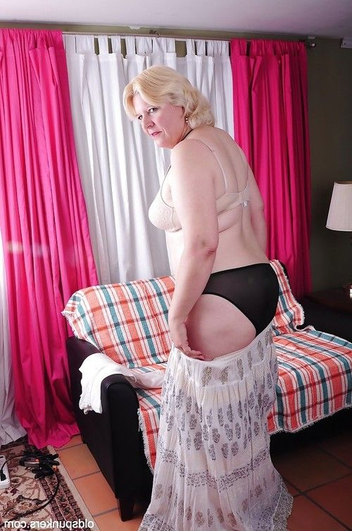 Blond established Toni shows off her fatty body in a white sexy pants