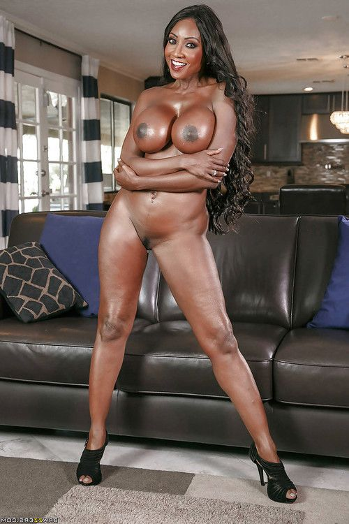Leggy aged brown hottie Diamond Jackson unleashing large oiled meatballs