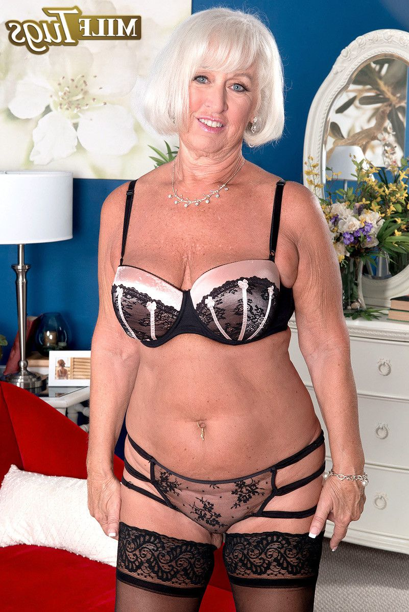 Breasty older milf jeannie lou in act at Mature Anal Pics