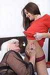 Old and amateur woman-on-woman pair making out