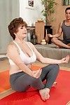 Older bea cummins penetrated in a yoga way