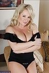 BBW instance Rachel Love playing with her tough wobblers for u