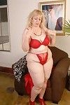 Wild full-grown Anne undressing her red clothing in a leisurely way!